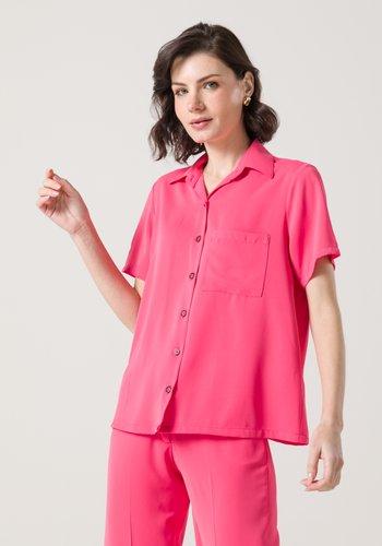 Camisa Feminina Leve Manga Curta Rosa