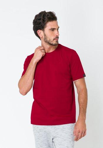 Camiseta Masculina Básica Bordo