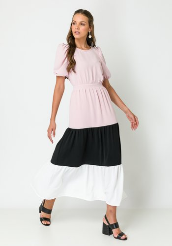 Vestido Midi Saia Ampla com Recortes 3 Marias